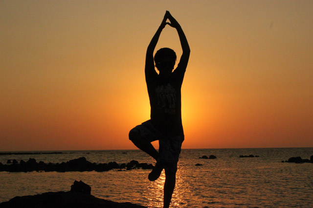 picture of a person in a yoga pose available under a creaitve commons 0 license from pdpics.com
